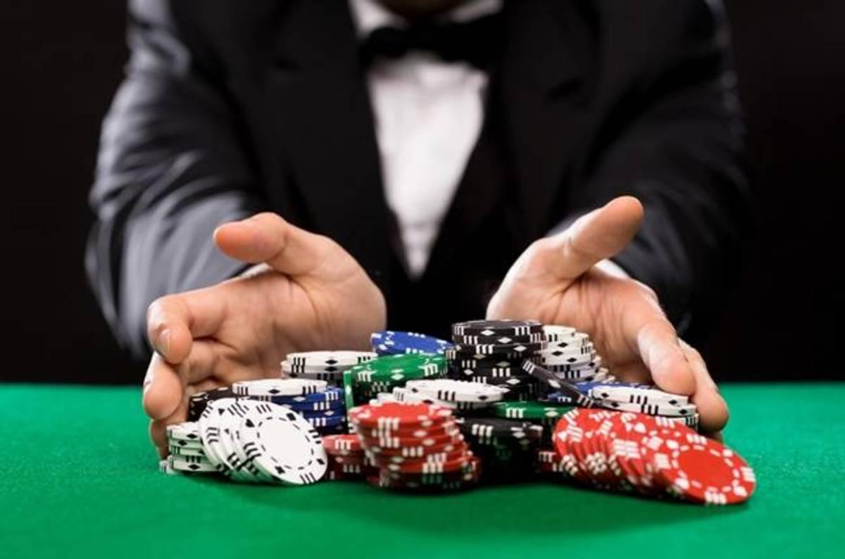 крупье покер